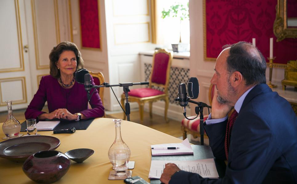 Bild på poddintervju med Drottning Silvia